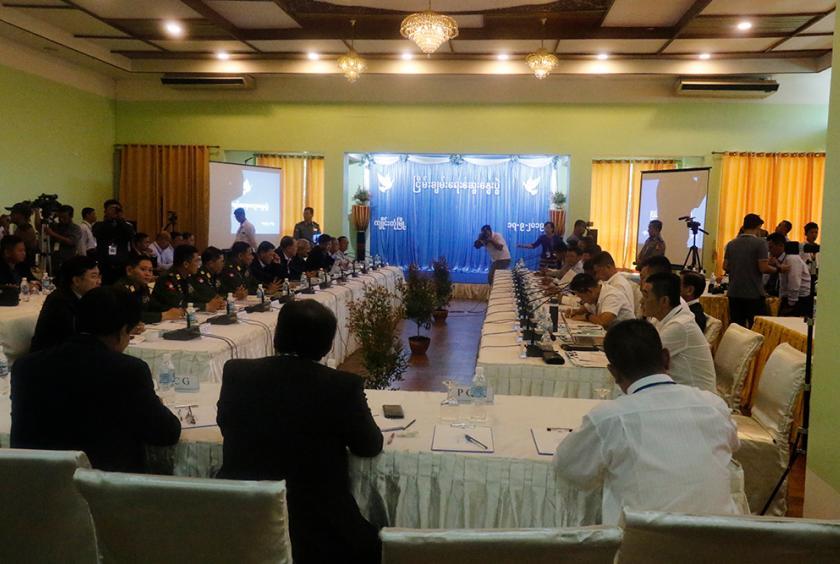 အစိုးရနှင့် မြောက်ပိုင်းလေးဖွဲ့ တွေ့ဆုံဆွေးနွေးပွဲ ကျိုင်းတုံမြို့တွင် စက်တင်ဘာ ၁၇ ရက်က ပြုလုပ်စဉ် (ဓာတ်ပုံ-ကျော်ဇင်ဝင်း)